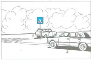 """Az """"A"""" jelű személygépkocsi az átkereszteződéstől 6 m-re várakozik. Szabályos-e?"""