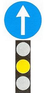Behajthat-e ennél a jelzésnél az útkereszteződésbe?