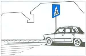 Szabálytalan várakozása miatt elszállíthatják-e az ábrán látható személygépkocsit?