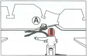 Segédmotoros kerékpárjával az ábrán látható útkeresztez?déshez érkezik. Melyik járm? haladhat tovább els?ként?
